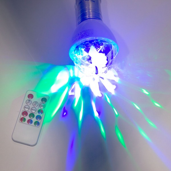 PARTY LAMP | E27 Fassung | einfacher, raumfüllender LED Partyeffekt | mit Fernbedienung
