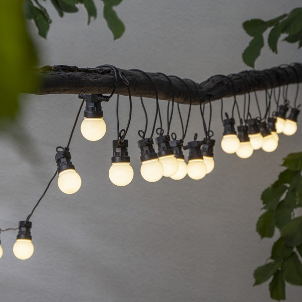 LED Lichterkette CIRCUS opal - 20 kleine Kugeln - warmweiße LED - 8,8m - inkl.Trafo - outdoor