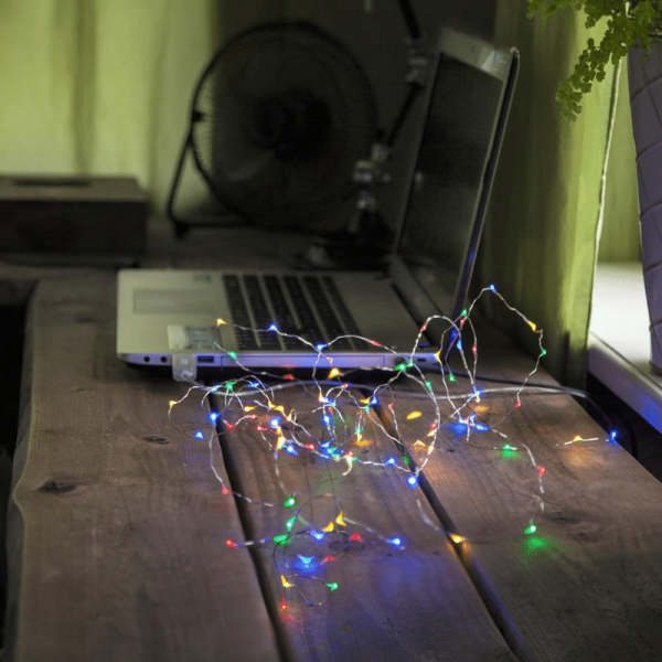 "LED Drahtlichterkette ""String Dew Drop"" USB - 100 bunte LED - 5m - silberner Draht - 8 Modi - Timer"